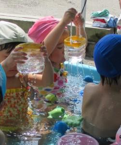 のいちご 水遊び 5