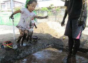 泥んこ遊び 8月 2