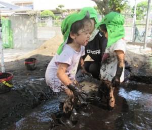 泥んこ遊び 8月